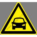 Autókijárat figyelmeztető piktogram matrica