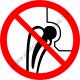 Fém implantátumot használóknak belépni tilos tiltó piktogram matrica