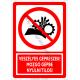 Veszélyes géprészek, mozgó gépbe nyúlni tilos tiltó piktogram tábla